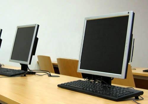 Komplett informatikai rendszerek költöztetése. ELTE informatika tanszék.